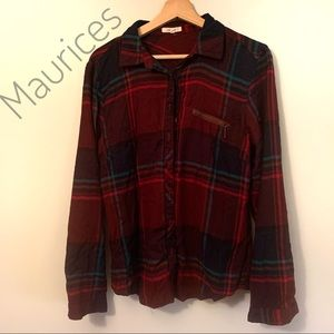 Women's Maurices long sleeve button up top